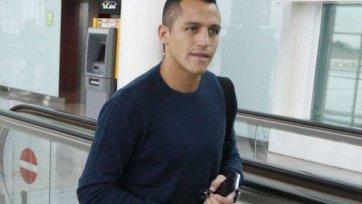 Алексис Санчес прибыл в Лондон для прохождения медицинского обследования
