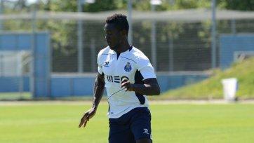 «Порту» заключил контракт с защитником сборной Ганы