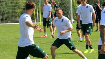 Марат Измайлов представлен команде и провел первую тренировку