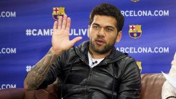 «Барселона» продаст Алвеса, если купит Куадрадо