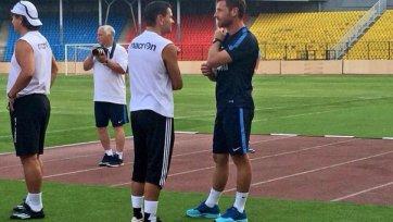 На вчерашней тренировке «Зенита» присутствовал Аленичев