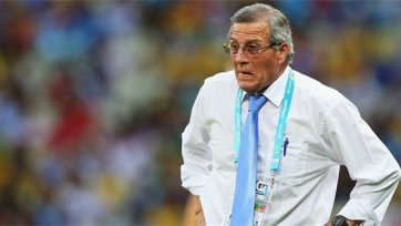 Табарес продолжит тренировать Уругвай