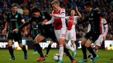 «Аякс» неожиданно проигрывает «Гронингену»