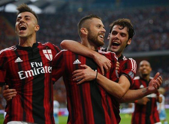 Подняться, во что бы то ни стало. Как «Милан» начинает новый сезон