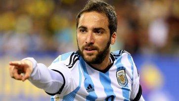 Гонсало Игуаин сборной Аргентины не помощник