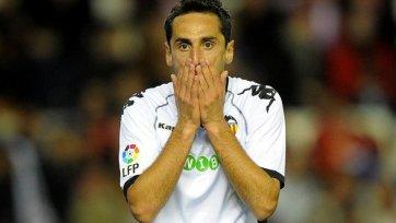 Экс-игрок «Валенсии» Жонас переберется в АПЛ