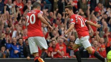 «Манчестер Юнайтед» благодаря голам новичков одержал первую победу