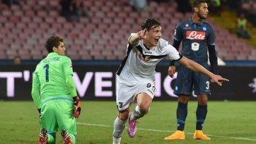 «Наполи» трижды поразил ворота «Палермо», но три очка завоевать не сумел