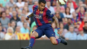 «Барселона» собирается удержать Алвеса