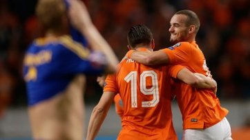 Голландия не без приключений одолела Казахстан