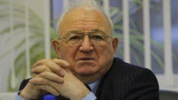 Симонян: «Спартаку» не нужно изымать из обращения 10-й номер»