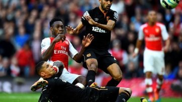 «Арсенал» спасся в матче с «Халлом»