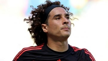 «Сантос» проявляет интерес к вратарю сборной Мексики