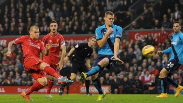 «Ливерпуль» вымучил три очка в игре со «Стоком»