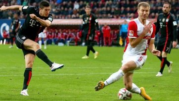 «Бавария» разгромила «Аугсбург»