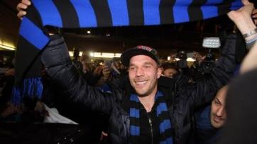 Лукас Подольски прилетел в Милан