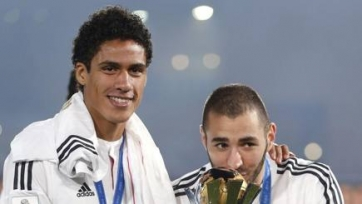 «МЮ» и «Челси» готовы поторговаться за Рафаэле Варане