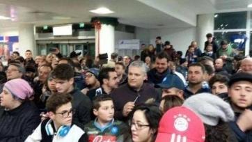 Маноло Габбьядини в Неаполе встретили около шестисот «тиффози»