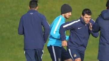 Агуэро и Джеко начали тренироваться
