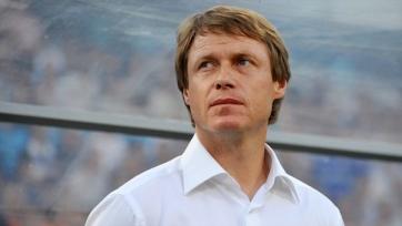 Олег Кононов возьмет на зарубежный сбор двух молодых футболистов
