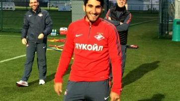 Араз Озбилиз восстанавливается по плану, у футболиста наблюдается положительная динамика