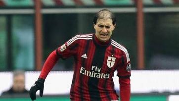 Лазарет «Милана» пополнился двумя защитниками