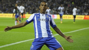«Бавария» поспорит с испанскими грандами за Данило