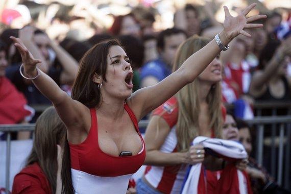 8 красивых женщин мирового футбола