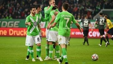 «Вольфсбург» побеждает и продолжает погоню за «Баварией»