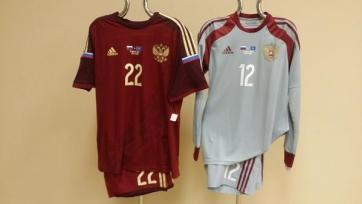 Россия против Казахстана сыграет в бордовых футболках