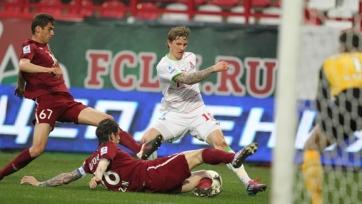 «Локомотив» готов продлить контракт с Павлюченко