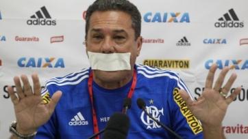 Вандерлей Лушембурго выразил протест при помощи… пластыря