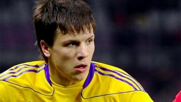 Евгений Коноплянка раскритиковал газон стадиона «Днепра»