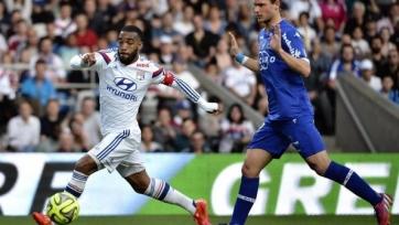 «Лион» обыграл «Бастию» в отложенном матче