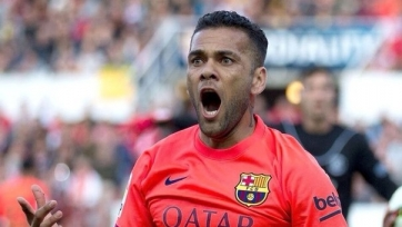 «Барселона» готова предложить Алвесу 9 миллионов в год!
