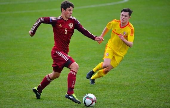 Алексей Татаев: «Большие зарплаты и менталитет – главные проблемы молодого игрока в России»