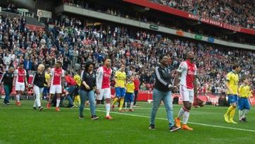 Игроки «Аякса» отметили международный День Матери