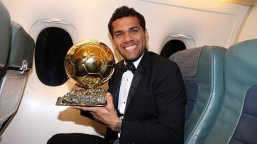 Официально: Алвес покидает «Барселону»