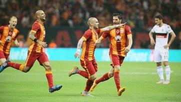 «Галатасарай» выиграл в стамбульском дерби