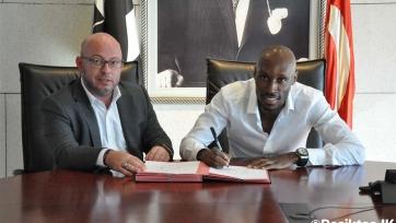 Хатчинсон пролонгировал контракт с «Бешикташем»