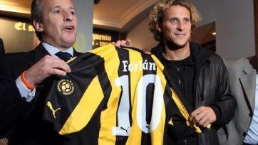 Форлан стал игроком «Пеньяроля»