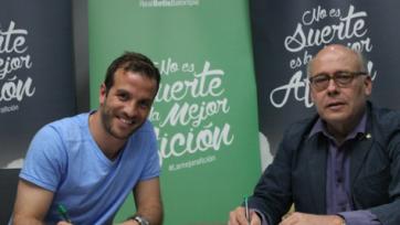 Официально: «Бетис» подписал ван дер Ваарта