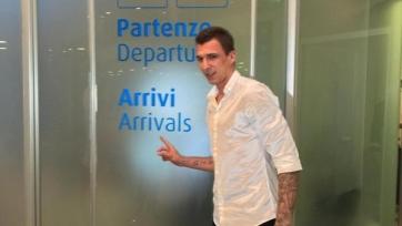 Марио Манджукич прилетел в Турин