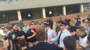Фанаты «Торпедо» устроили не санкционированный митинг, есть задержанные