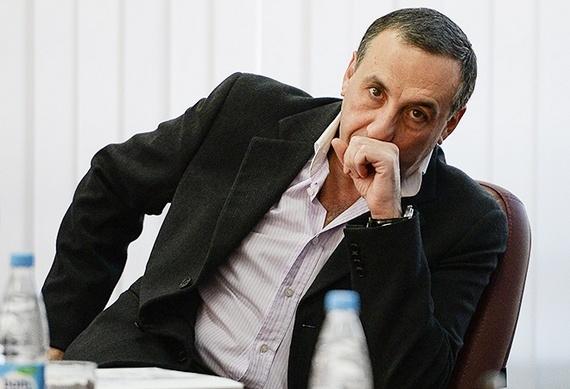 Он заехал к нам на час. Нужно ли ЦСКА арендовать Думбия?