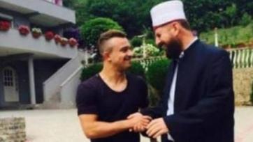 Джердан Шакири вынужден оправдываться за сомнительное фото