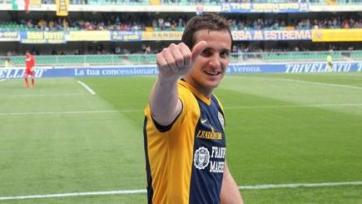 Хуанито Гомес продлил соглашение с «Вероной» на три года