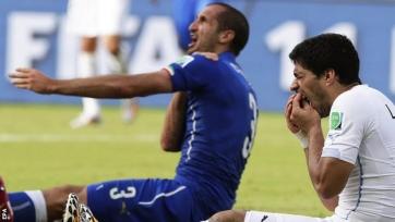 Луис Суарес требует извинений от ФИФА