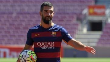«Барселона» не может использовать Турана и Видаля в товарищеских матчах