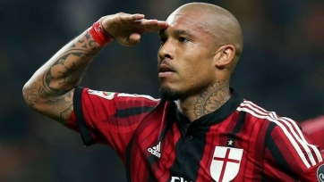 Де Йонг рассказал, почему продлил контракт с «Миланом»